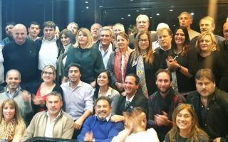 """El FR de la Tercera clamó por """"Massa presidente""""."""