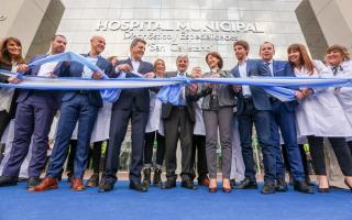 Andreotti inauguró el Hospital Municipal de San Fernando.