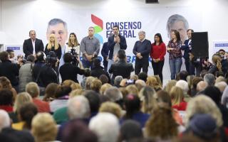 Urtubey junto a candidatos de la Cuarta en Chivilcoy.
