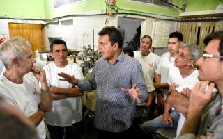 """Massa en Morón: """"El Presidente está haciendo anuncios virtuales"""""""