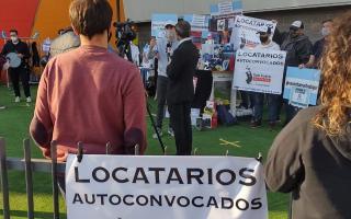 Segunda ola Covid y restricciones: Comerciantes y empleados del shopping de San Justo piden volver al trabajo