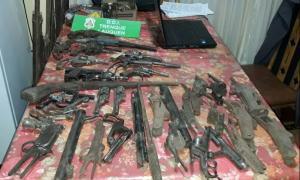 Un arsenal en la casa de un jubilado de Pehuajó.