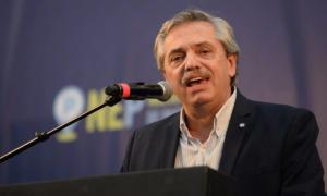 Fernández criticó el modelo económico del macrismo.