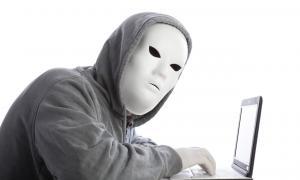 Cuentas de redes sociales falsas, anónimas o fantasmas operan para manipular la opinión pública.