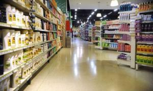 Las ventas en supermercados cayeron 12,6% y en shoppings casi 23%.