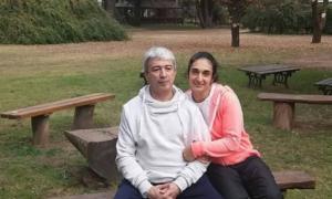 Garzón junto a su mujer, acusada de ser cómplice de sus abusos.