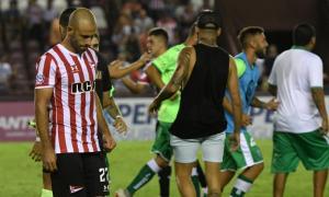 Mascherano erró su penal y le dio el triunfo a Laferrere.