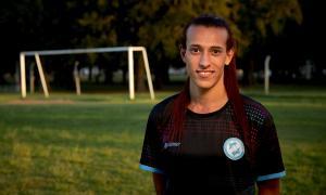 Mara Gómez quiere convertirse en la primera jugadora trans en llegar a la máxima categoría del fútbol femenino.