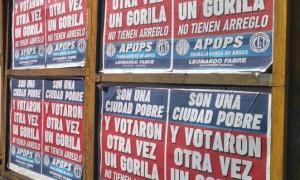 Los afiches contra los votantes de Mar del Plata.