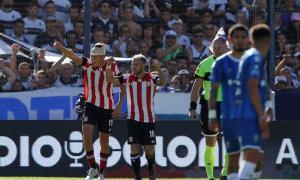 Con gol de Retegui, Estudiantes de quedó con el clásico platense.