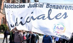 Los judiciales marchan en Capital.