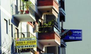 Las hipotecas cayeron un 84%, y las compraventas casi un 27%.
