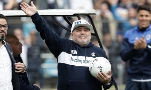 Maradona llegó al Lobo platense a mediados de septiembre pasado.