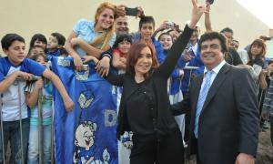 Cristina Kirchner comparte acto con Espinoza en González Catán.