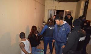Seis fueron los detenidos durante el allanamiento. Foto: Ministerio de Seguridad