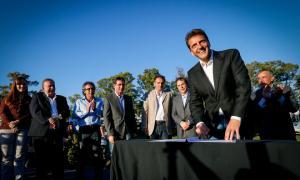 El convenio fue firmado por veinte intendentes. Foto: La Política Online