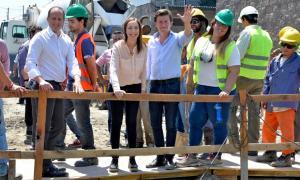 La Gobernadora las obras de construcción del aliviador pluvial Este del arroyo Unamuno.