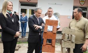 El ministro de Justicia en la Unidad Penal 11 de Baradero.