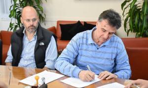 Acuerdo para reciclar bidones de agroquímicosen Chacabuco. Foto: Prensa
