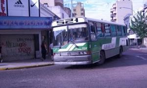 "Un hombre subió a un colectivo y ""noqueó"" al chofer. Foto: Prensa"