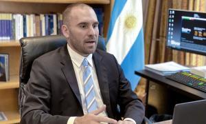Guzmán desmintió el rumor de estatización total de YPF.