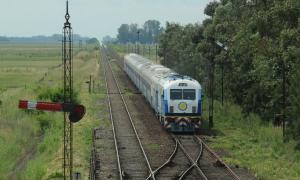 La ADIF invierte en la renovación de las vías del corredor Buenos Aires-Mar del Plata.