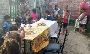 Más de 8.000 menores asisten a los comedores de Barrios de Pie. Foto: El1 Digital