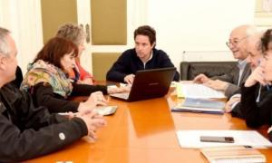 Sánchez Zinny, Álvarez y los funcionarios, en plena junta. Foto: Veradia
