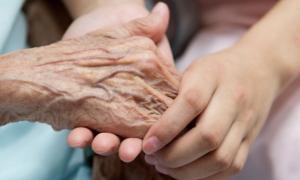 Los adultos mayores está considerado como grupo de riesgo frente al coronavirus
