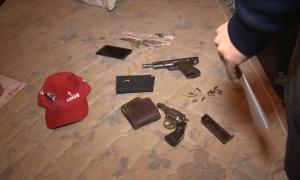 Diez barras de River detenidos con un arsenal en el sur del Conurbano