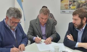 El ministro de Trabajo bonaerense, Marcelo Villegas, y Héctor Gay encabezaron el encuentro.