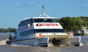 Cierra Cacciola, la empresa de ferrys que une Tigre y Carmelo