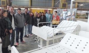 Alumnos de escuela técnica de 9 de Julio fabricaron camillas ortopédicas para un hospital
