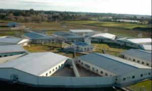 Las nuevas cárceles estarán en Campana y Lomas de Zamora.