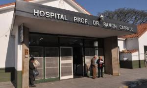 El hombre murió en el Hospital Ramón Carrillo.