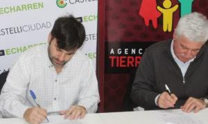 Echarren firmó el acuerdo con la Caja de la Policía