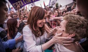 Cristina Kirchner propuso un bono compensatorio para jubilados y beneficiarios de asignaciones