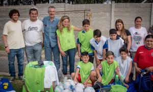El Banco Provincia entregó materiales para chicos de clubes en San Fernando.
