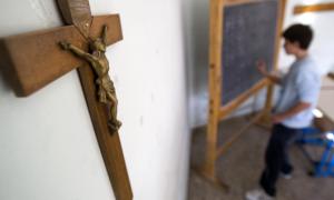 Fieles podrán aportar al sostenimiento de la Iglesia a través de las cuotas de los colegios