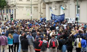 Trabajadores municipales de Junín renuevan su rechazo a la oferta salarial. Foto: Fesimubo