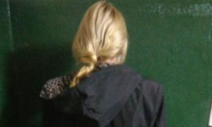 La mujer tiene 44 años y fue detenida por efectivos tras estar acusada de asesinar a su madre. foto: Prensa