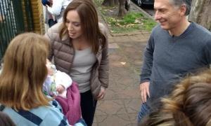 Vidal, con Macri, durante la campaña para las PASO. Buscará la aprobación del Presupuesto antes de diciembre. Foto: Twitter María Eugenia Vidal.