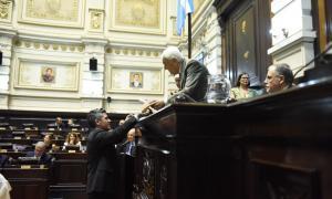Los legisladores recibieron sus diplomas
