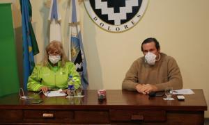 La Secretaria de Salud, Sandra Metz, junto a Camilo Etchevarren