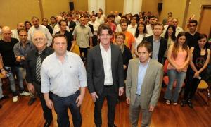 Nicolás Scioli presentó a los equipos que impulsan la campaña.