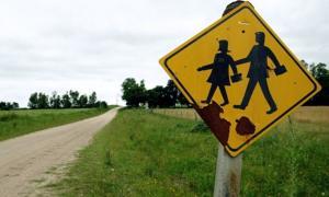 Cerraron tres escuelas rurales en Castelli.