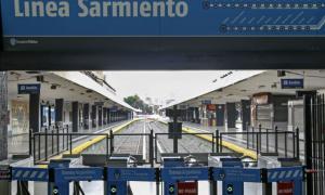 Tren Sarmiento: Activaron el protocolo Covid-19 y funciona con demoras
