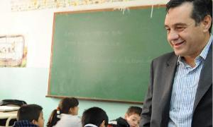 Alejandro Finocchiario dijo que el gobierno provincial utilizará todas las herramientas para garantizar el comienzo de clases. Foto: La Opinión Semanario.