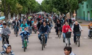Flexas cerró la campaña con una bicicleteada