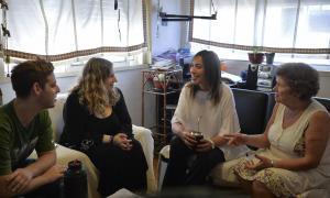 Vidal fue recibida por Diana, una psicóloga platense que la invitó por Facebook.